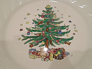 Nikko Happy Holidays Dinner Plates