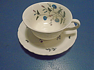 Wedgwood Williamsburg Wild Flowers Cups/Saucers (Image1)