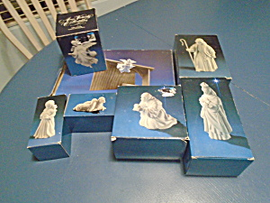 Avon Products White Porcelain Nativity Set - 7 Pcs. W/manger