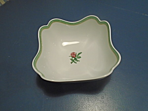 Wedgwood English Cottage Collection Cream Rose Square Serving Bowl