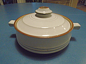 Denby Corfu Gray/Tan and Rust Covered Casserole (Image1)