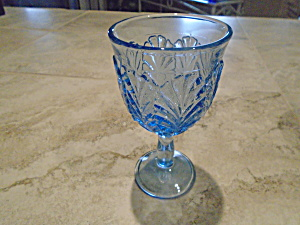 Blue Goblets With Feather Embossed Pattern