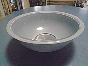 Pyrex 4 Qt. Mixing Bowl Light Blue Clear Bottom