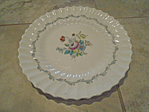 Royal Doulton The Chelsea Rose Dinner Plates (Image1)
