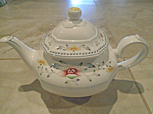 Villeroy & Boch Nanking Bone China Tea Pot