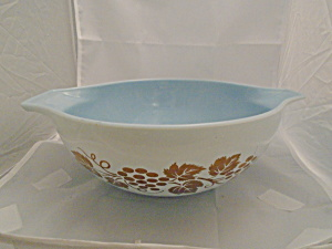 Pyrex Grapevine 4 Qt. Cinderella Mixing Bowl Blue & Gold Leaves