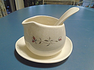 Franciscan Duet Gravy Boat W/attached Tray And Ladle