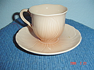 Mikasa Amaryllis Sets of Cups and Saucers (Image1)