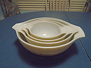 Pyrex Mushroom Set of 4 Cinderella Mixing Bowls Vintage (Image1)