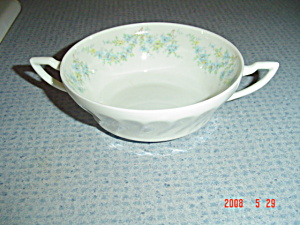 Syracuse Tiny Blue Flowers Creme Soup Sy55