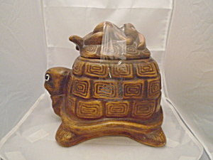 Twin Winton Standing Turtle Stoneware Cookie Jar (Image1)