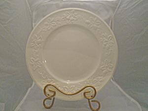 Mikasa Festive White Dinner Plate (Image1)