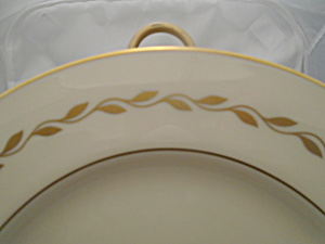 Lenox Gold Wreath 16.25 In. Oval Serving Platter Mint