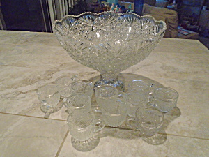 L.e. Smith Crystal Daisy And Button Punch Bowl W/stand, 10 Cups