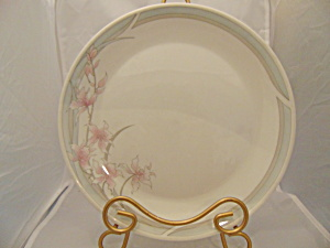 Royal Doulton Fresh Flowers Mayfair Bread And Butter Plate(S)
