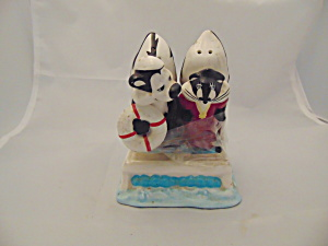Warner Bros. Pepe Le Pew/penelope Ship/boat Salt Pepper Shakers