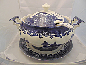 Royal Traditions Blue Willow Soup Tureen W/ladle/underplate Mint