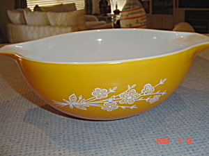 Pyrex 2 Butterfly Gold 1.5 Qt. Cinderella Mixing Bowl