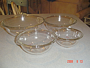 Pyrex Stacking Mixing Bowls - Newer Items In Clear Glass