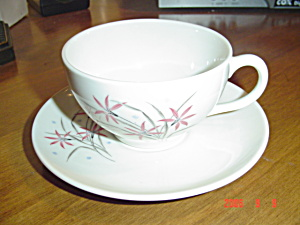 Syracuse China Flame Lily Cups/saucers
