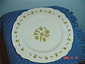 Nikko Mari Gold Dinner Plates