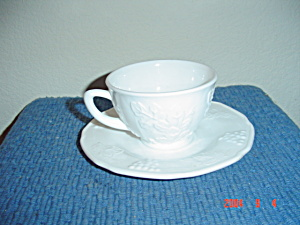Indiana Colony Harvest Grapes Vines Cups And Saucers
