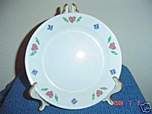 Corelle Quilt Dinner Plates (Image1)