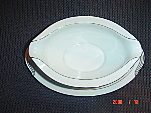 Noritake Whitehall Gravy Boat W/attached Undertray