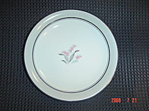 Noritake Lilybell Bread And Butter Plates