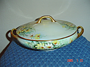 Favorite Covered Daisy Design Footed Serving Bowl