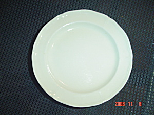 Wedgwood Queens Shape Ivory Bread and Butter Plates (Image1)