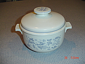 Royal Doulton Shadow Play Covered Casserole