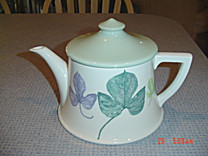 Portmeirion Seasons - Leaves Covered Tea Pot