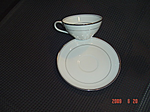 Noritake Silverton 5569 Cups And Saucers