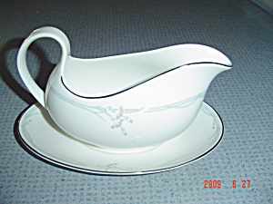 Royal Doulton Carnation Gravy Boat And Under Plate