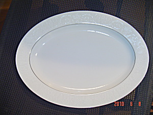 Crown Victoria Lovelace Oval Platter (Crown Victoria ) at ...