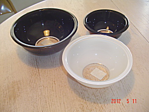 Pyrex Black And White 3 Pc. Stacking Mixing Bowl Set
