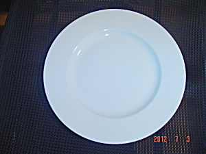 Crate & Barrel Diner Plain White Rimmed Dinner Plates (Image1)