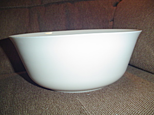 Arcopal/arcoroc Serving Bowl White And Rare