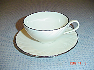 Lenox Weatherly D517 Cups And Saucers