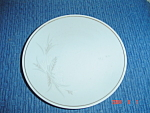 Click here to enlarge image and see more about item 8008: Noritake Windrift Dinner Plates