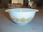 Pyrex Butterfly Gold 1.5 Pints Cinderella Mixing Bowl