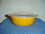 Pyrex Daisy 1.5 Qt. Plain Gold Covered Casserole