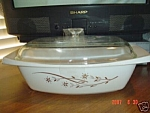 Pyrex White/Gold Flowers Covered Oval Casserole 2.5 Qt.
