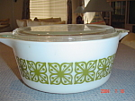 Pyrex Green Print 2.5 Quart Covered Stacking Casserole