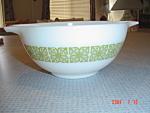 Pyrex Green Print 1.5 Quart Cinderella Bowl