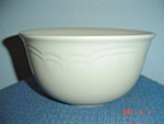 Click here to enlarge image and see more about item 3137: Pfaltzgraff Heirloom Mixing Bowl