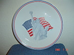 Click here to enlarge image and see more about item 928: Corelle Liberty Dinner Plates