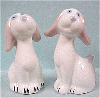 Porcelain Hound Dog S/P (Image1)