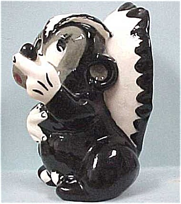1950s California Pottery Style Skunk